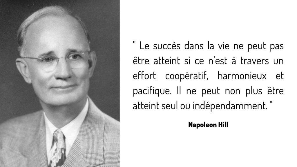 """"""" Le succès dans la vie ne peut pas être atteint si ce n'est à travers un effort coopératif, harmonieux et pacifique. Il ne peut non plus être atteint seul ou indépendamment. """""""